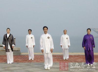 杨式太极拳 谈杨式太极拳的桩功与步法