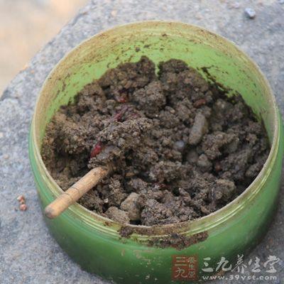 利用蚯蚓常常能钓到泥鳅而不是鲫鱼