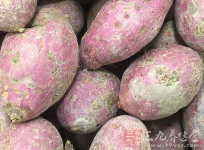 材料:红薯120克、腊肠适量