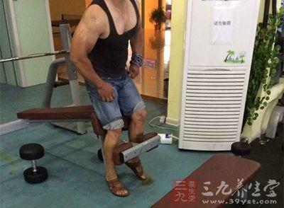 在健身练习之后的伸展运动并不是这样简单