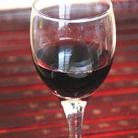 红葡萄酒泡木瓜的功效 能美容还能丰胸