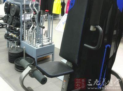 锻炼的器材都有一定的重量