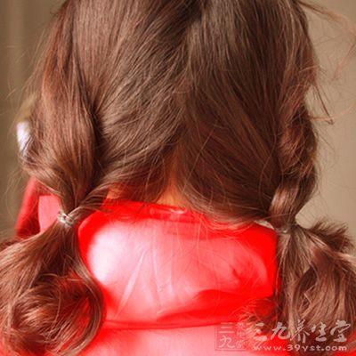 齐肩的中发,用1到2盒染发膏
