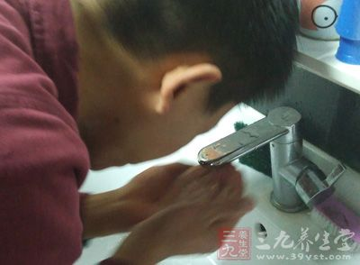 面膜怎么用 男人正确敷面膜的方法