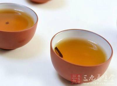 苦丁茶的功效 常喝这茶居然有降压的功效