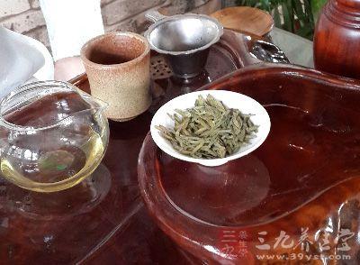 茶道知识 不同的温度适合冲泡不同的茶叶