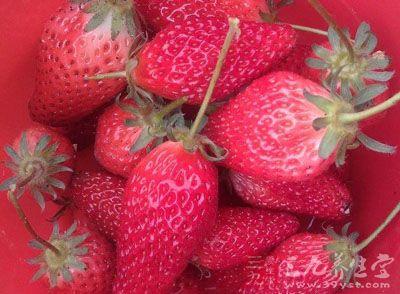 草莓有去火、解暑、清热的作用