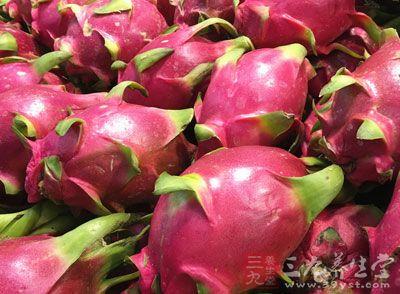 火龙果含有大量的维生素E和一种更为特殊的成分,花青素