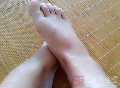 中医脚底养生有两个特点