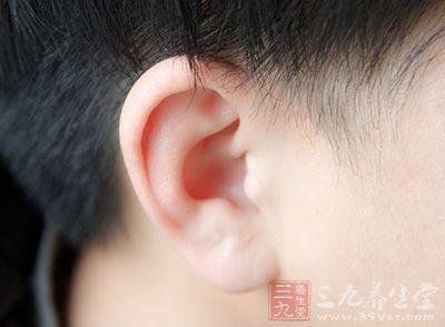 霉菌性外耳道炎是怎么回事