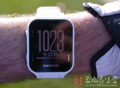 这款手表给我的第一感觉就是轻便