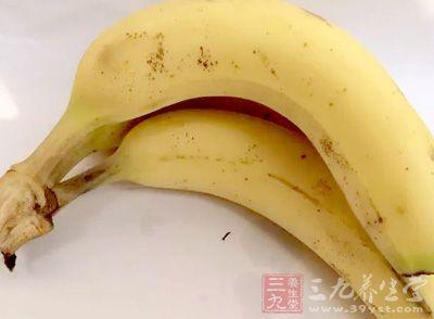 香蕉富含膳食纤维,吃完后饱腹感较强
