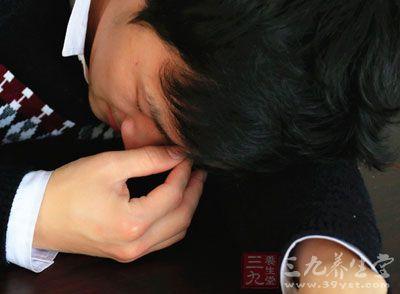 嗜睡是什么原因 爱打瞌睡可能是疾病信号