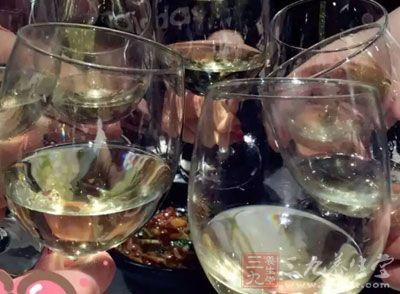 肝癌患者的饮食 预防肝癌必先从戒酒开始