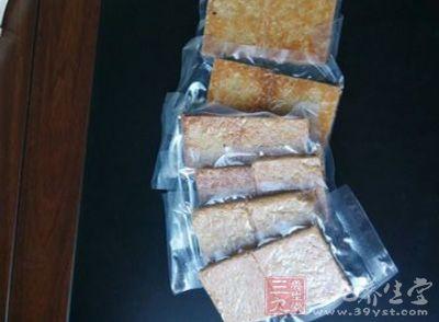 饼干都是采用真空压缩的方式储存的