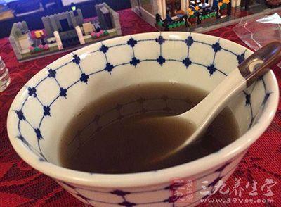 记者发现药店也为市民提供了中药代茶饮方剂服务