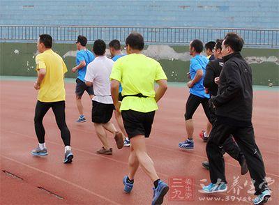 跑步常识 12个实用的跑步知识帮你正确健身