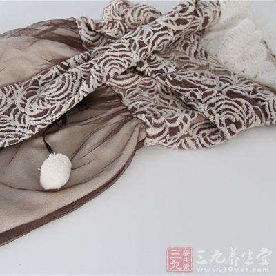 棉质衣料、棉纶衣料都能让这些部位更加通风透气