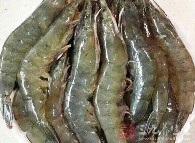 一般鲜海鱼、虾、蟹、秋茄等均易引起过敏发喘,哮喘患者应避免食用
