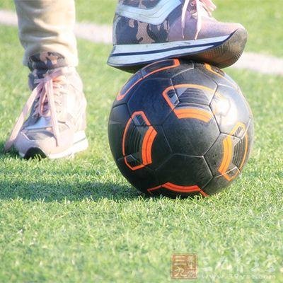 足球技术 足球运动中的无球技术是什么意思(2