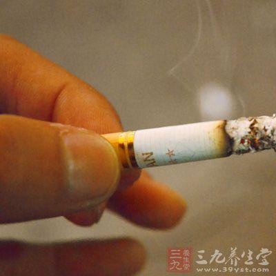 高原氧少,以少吸烟多呼吸空气为佳