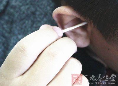 经常挖耳朵的人,不注意或操作不当
