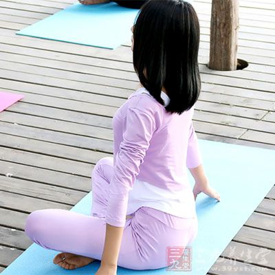 Strala瑜伽是一种结合舞蹈和瑜伽的新型健身运动