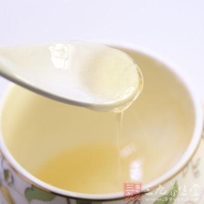 而蜂蜜则能改善血液中的成分