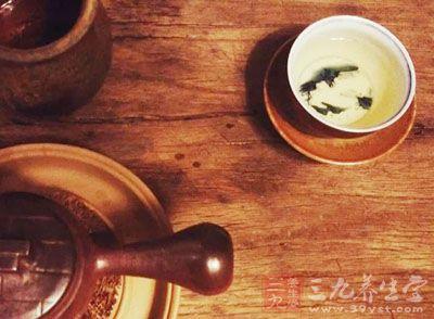 黄连0.5g、肉桂心3g、茉莉花茶3g