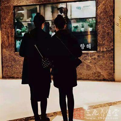 """与闺蜜一起在韩国""""大开杀戒""""吧"""