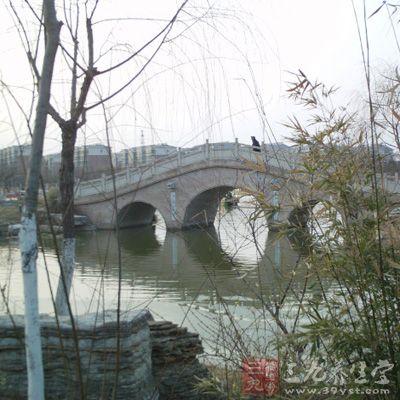 """""""东方威尼斯""""的小桥流水环绕姑苏城内"""