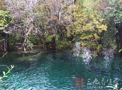 中国温泉 盘点十个国内天然温泉