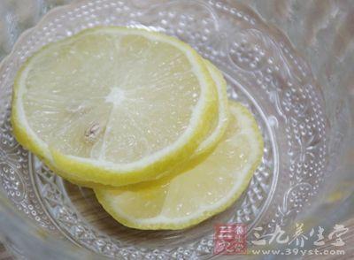柠檬中的柠檬酸和果胶可以控制食欲