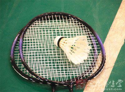 羽毛球装备 打羽毛球应该准备哪些用品