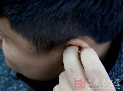 人的内耳包括耳蜗、前庭和半规管三部分