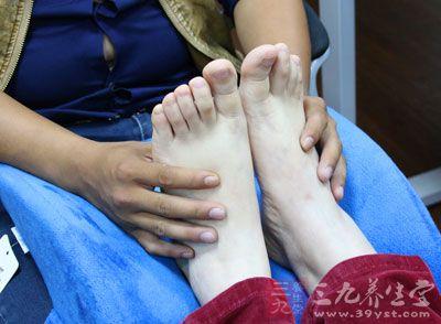 脚部保养 按摩脚底真的有美容功效吗
