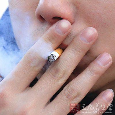烟雾中的尼古丁会引起人体兴奋、血管收缩、血液粘度增大