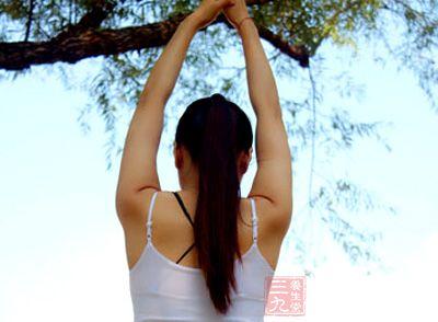 调整我们呼吸节奏,重复上面的动作二到三次
