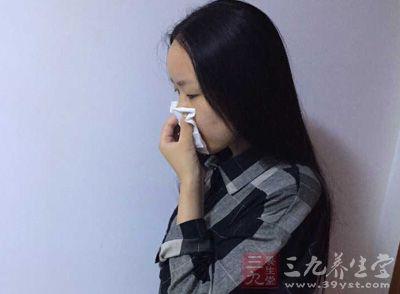经常会出现咳嗽、咯痰的现象
