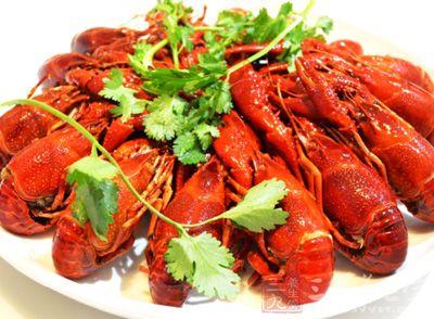 小龙虾一斤,香芹一小把