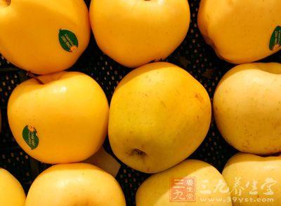 嗓子疼怎么回事 治疗嗓子疼要多吃水果