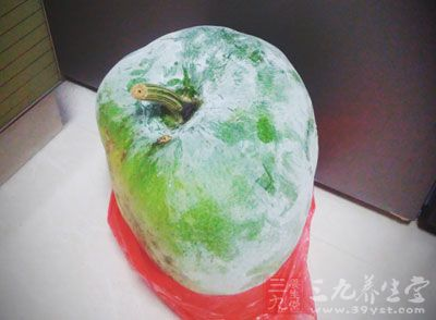 在日常生活中,吃冬瓜的时候,相信很多人都会将冬瓜皮扔掉