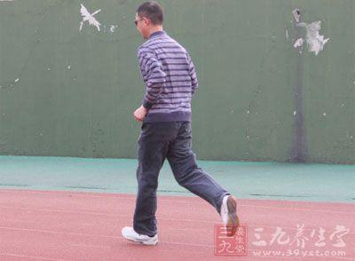 跑步姿势 学会这些减少跑步时的伤病