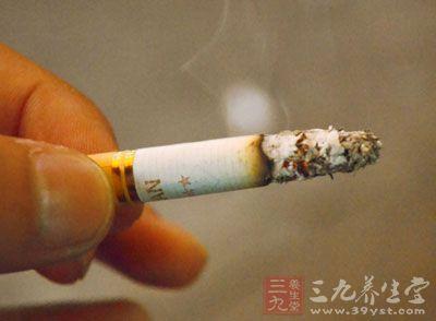 如香烟、烟雾、粉尘、刺激性气体(二氧化硫、一氧化氮、氯气、臭氧等)