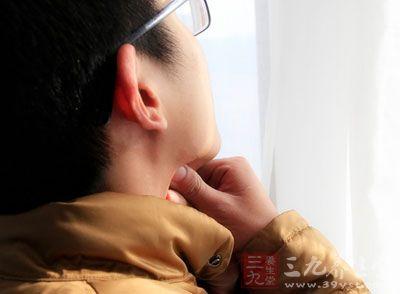 任何刺激咽喉及口腔黏膜的物质都可能引起咽喉痛