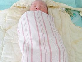 """2月龄宝宝种疫苗要""""早""""更要""""少"""""""