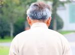 肾结石老人适量补钙