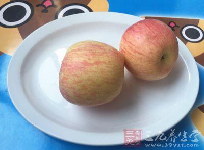 适当的食用苹果能够有效的防治便秘