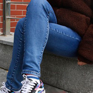 女人大腿内侧黑得不行竟因这事