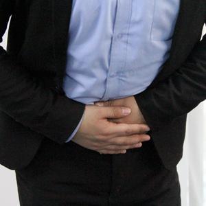 男人肚子痛可能隐藏了这种疾病 要注意了